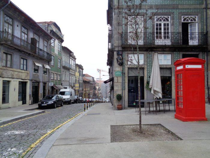 Cabine telefoniche rosse