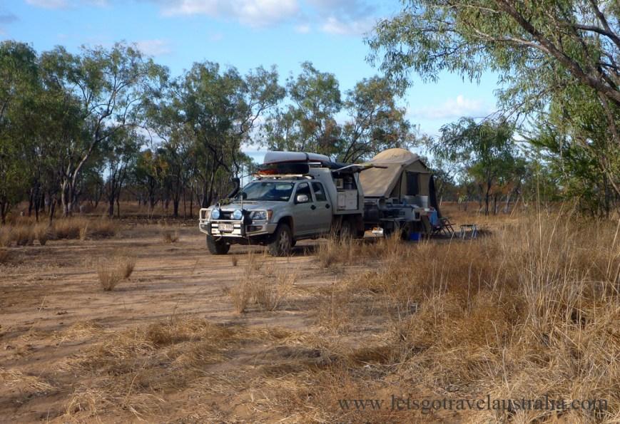 Lomareium-Lagoon-Camping