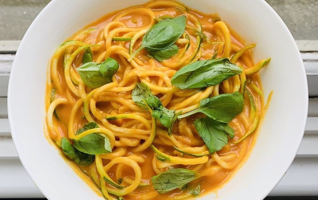 Pasta with RoastCapsicum & Carrot Sauce
