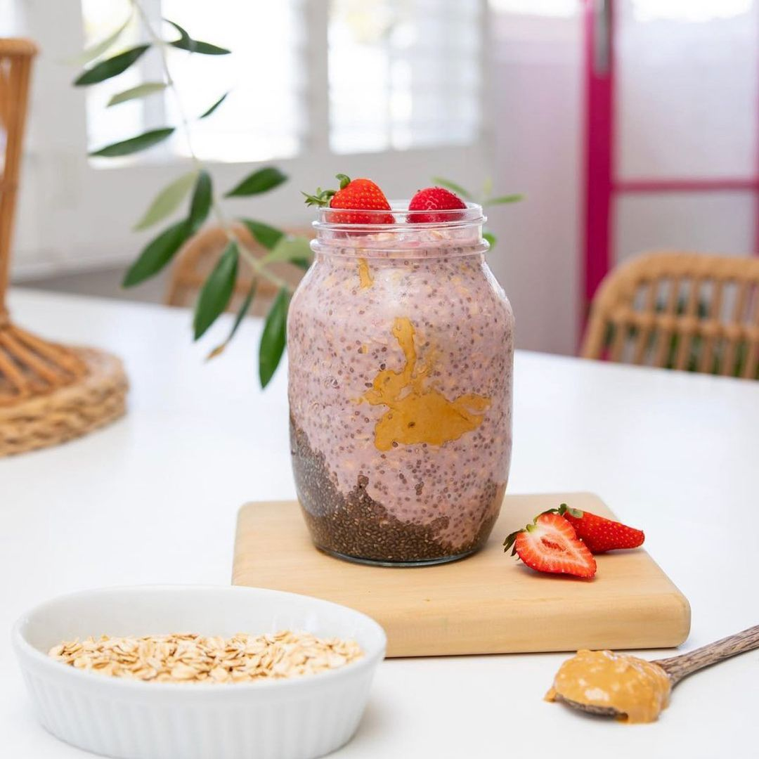 Berry Easy Overnight Oats