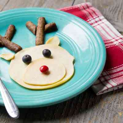 Simple Holiday Traditions: WOW Your Kids With This Breakfast-for-Dinner Idea