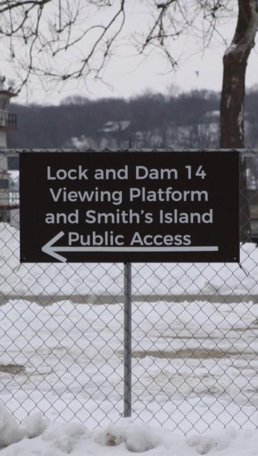Lock and Dam 14 Viewing Platform Sign