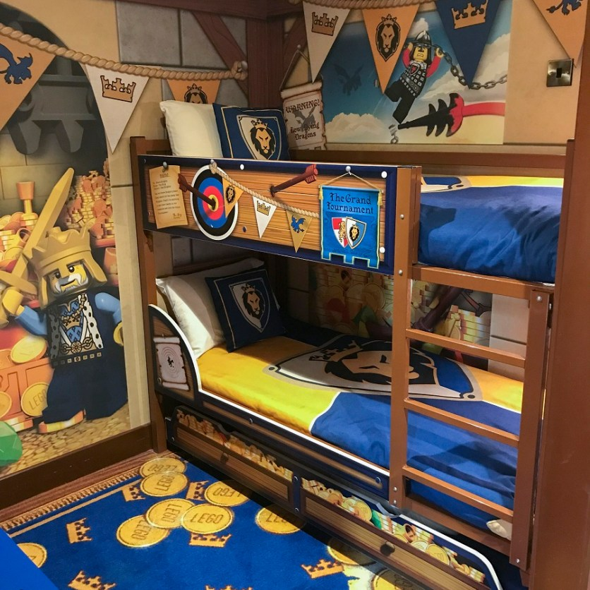 LEGOLAND CASTLE HOTEL KNIGHTS DRAGONS BUNKBEDS