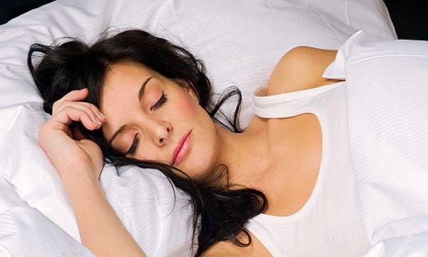 6 Real Ways Sleep Makes You Look Younger
