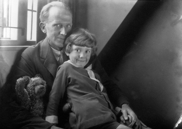 A. A. Milne and Christopher Robin Milne. Photo Howard Coster, half-plate film negative, 1926. rightsandimages@npg.org.uk