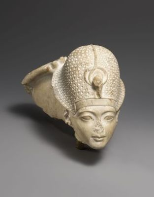Head of Tutankhamun with the hand of the god Amun behind. Limestone, H 15.2 cm (6 in). 18th Dynasty, reigned ca. 1336-1327 B.C. The Metropolitan Museum of Art, Rogers Fund 1950. Photo: Museum