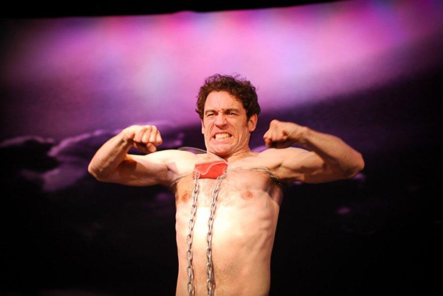 Luis Carlos de la Lombana as the strong man. Photo: Martin Fernandez Lombana