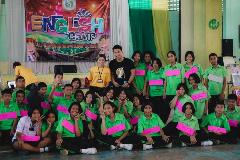 English camp for high school students that want to learn english in Thailand