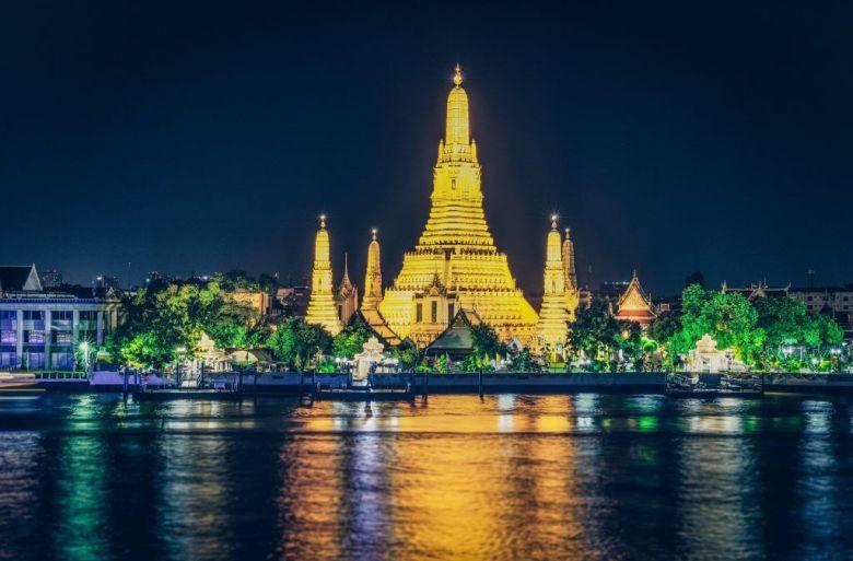 Wat Arun Temple at night in Bangkok thailand