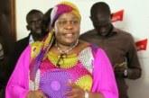 SENEGAL : Les officiers de police devraient être poursuivis pour l'agression de la camerawoman Adja Ndiaye du média en ligne Dakaractu