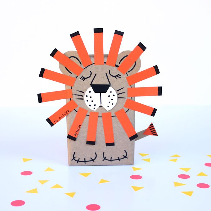 Sleepy lion gift wrap diy
