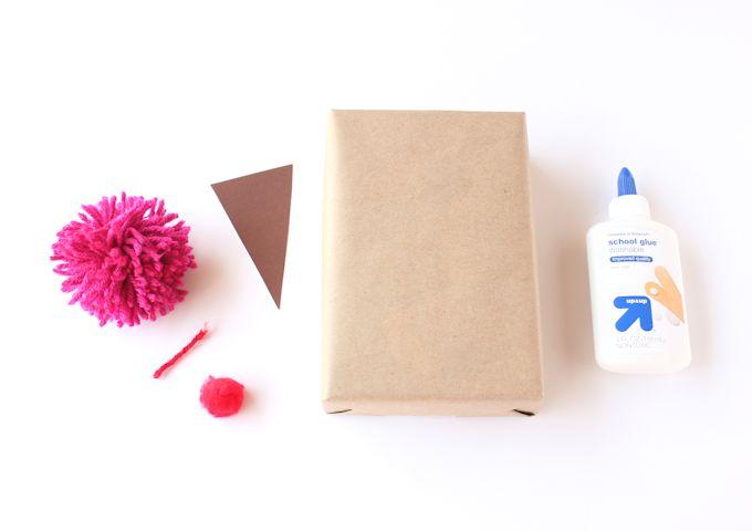 creative gift wrap ideas with yarn