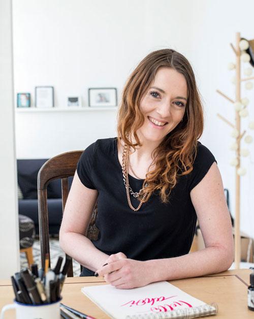 Foto von Martina Johanna beim hand lettering