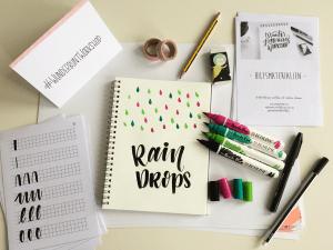 Die tollen Regentropfen - ganz einfach gemacht mit den tollen Ecoline Brush Pens