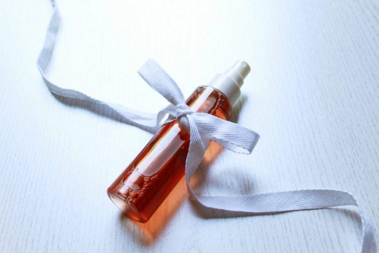 letters&beads-diy-beauty-rosenwasser-wasser-glas