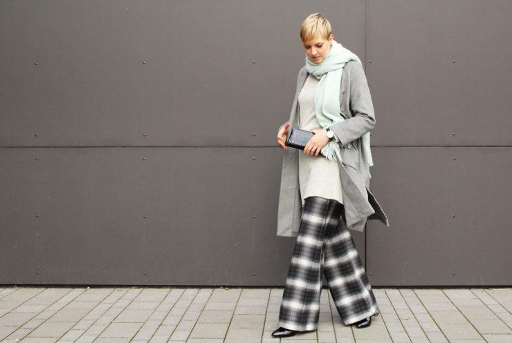 letters&beads-fashion-oversized-lagenlook-in-grau-schattierungen_6
