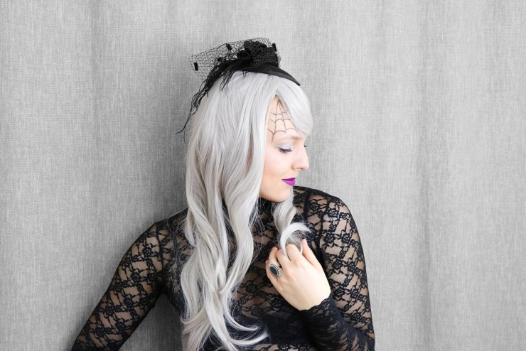 letters_and_beads_beauty_make-up_femme_fatale_grey_hair_wig_horror_braut_3