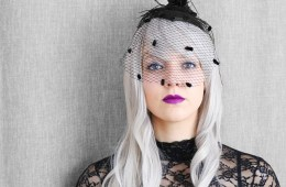 letters_and_beads_beauty_make-up_femme_fatale_grey_hair_wig_horror_braut_4