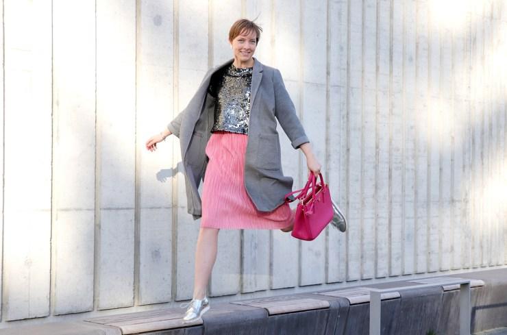 letters-and-beads-fashion-outfit-style-rosa-pailletten-vorsätze-silvester-springen-silber