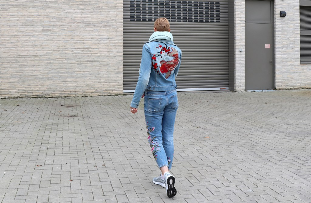 letters_and_beads_fashion_frühlingsjacken_mit_patches_diy_buy_jeans_stickereien_allover_look_sportlich