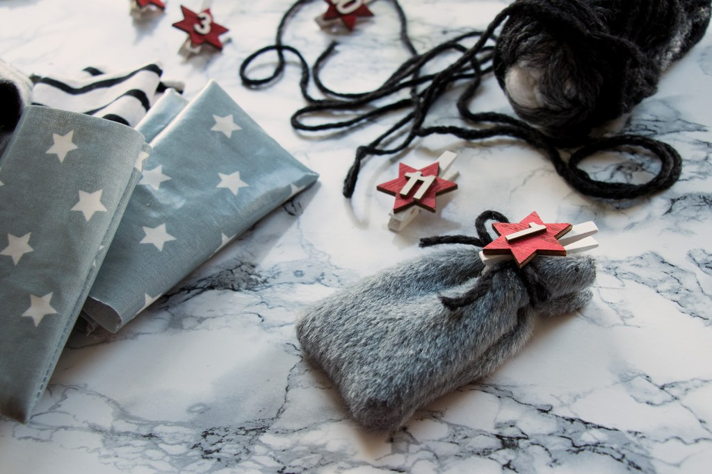 letters_and_beads_diy_no_waste_christmas_adventskalender_stoffreste_beutel_naehen