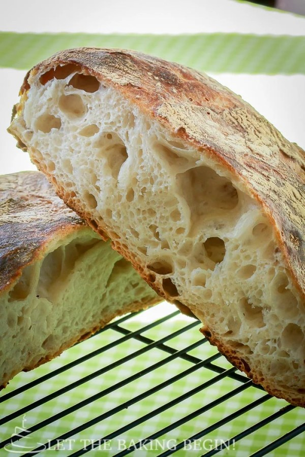 Artisan No Knead Bread - Beautiful Artisan bread with minimal effort? yes please! No bread will be easier to make than this one! | by LetTheBakingBeginBlog.com | @Letthebakingbgn