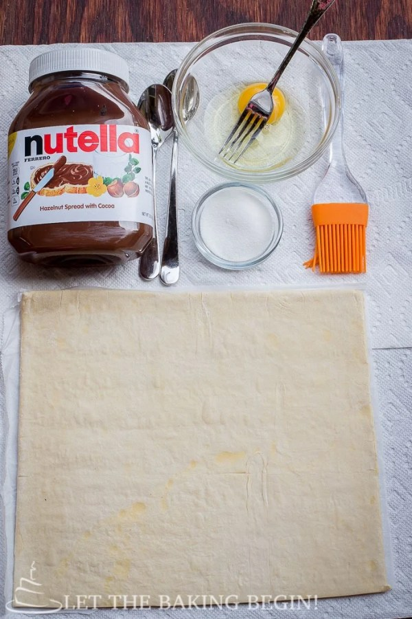 Ingredients for this Nutella puff pastry dessert.