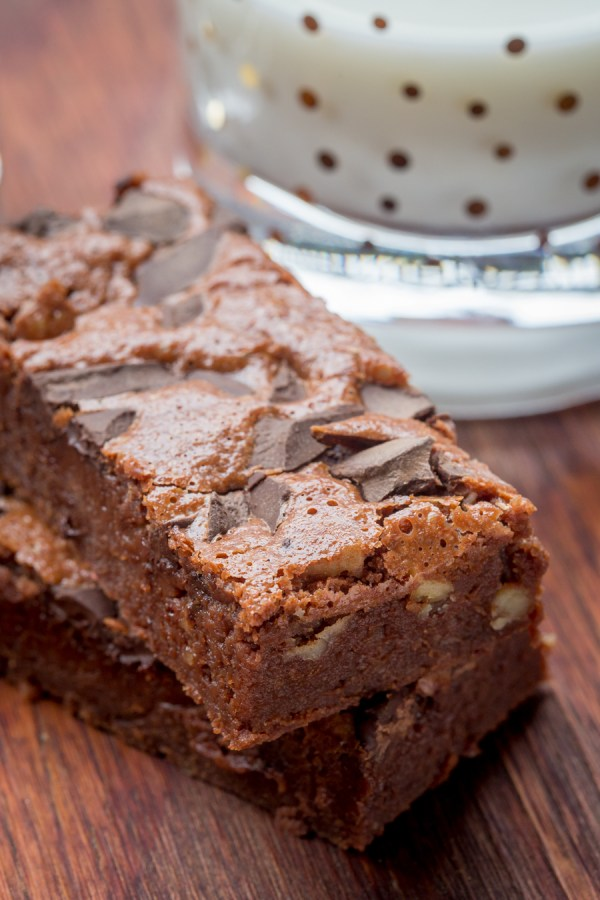 Step Away, Starbucks Brownies! - you've got nothing on this Chocolate Walnut Brownie that's fudgy, yet light with a sprinkle of walnuts to balance out the flavors. by Let the Baking Begin!
