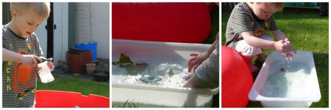 ice dinosaurs - great sensory play