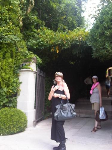 A passageway in Saint-Tropez....