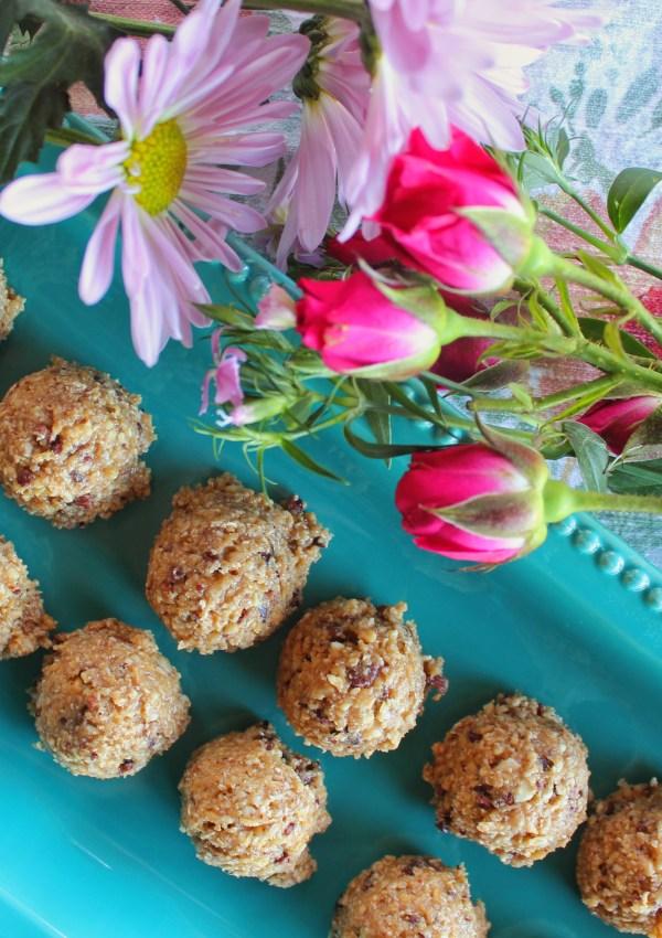 Cashew Cookie Dough Balls