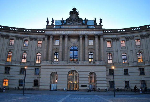 Bebelplatz: parte della Humboldt Universität
