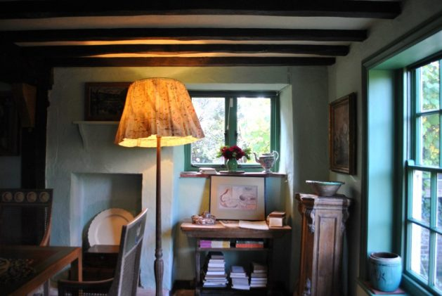 Monk's House, Rodmell, Virginia Woolf: salotto, particolare, finestra