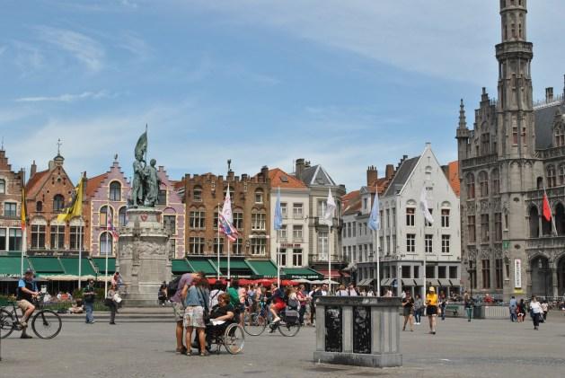 Viaggio letterario a Bruges, Markt