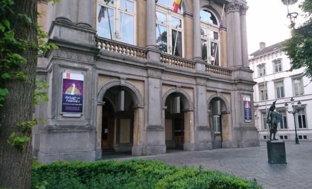 Viaggio letterario a Bruges, teatro cittadino
