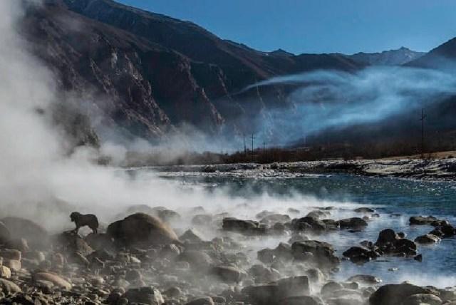 The hot water spring at Chumathang, Ladakh.
