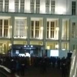 17.02.2015: Blick auf die Mitläufer vor der Oper