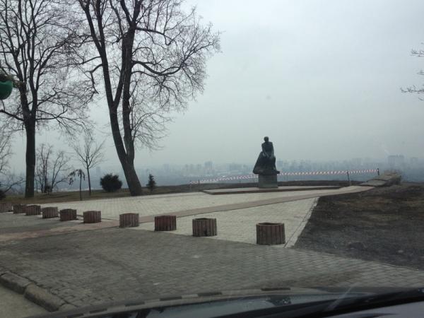 Памятник Леониду Быкову на Печерском спуске