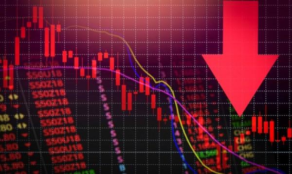 ΧΑ: Σε ελεύθερη πτώση οι τραπεζικές μετοχές