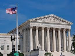 Ο Ντόναλντ Τράμπ Διασύρει τον Μπάιντεν στο Ανώτατο Συνταγματικό Δικαστήριο των Η.Π.Α.