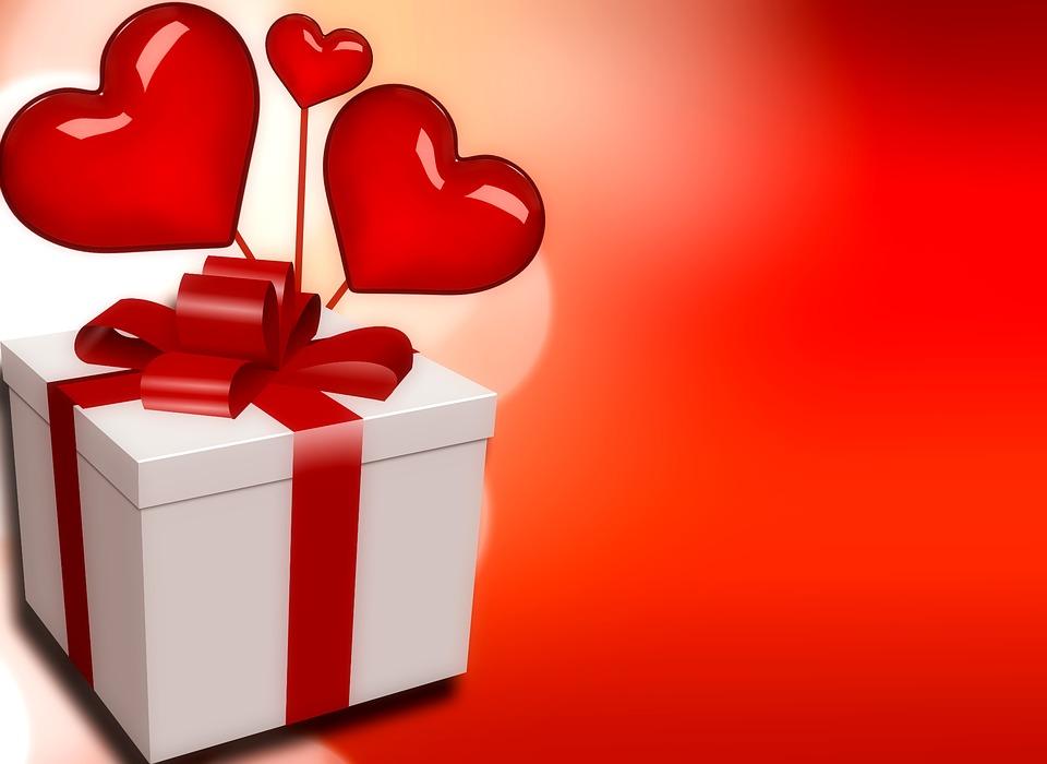 Cosa regalare ad una ragazza per l'anniversario di fidanzamento?