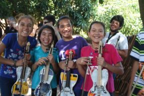orquesta-de-instrumentos-reciclados-cateura