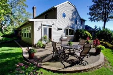 Traditional backyard landscaping