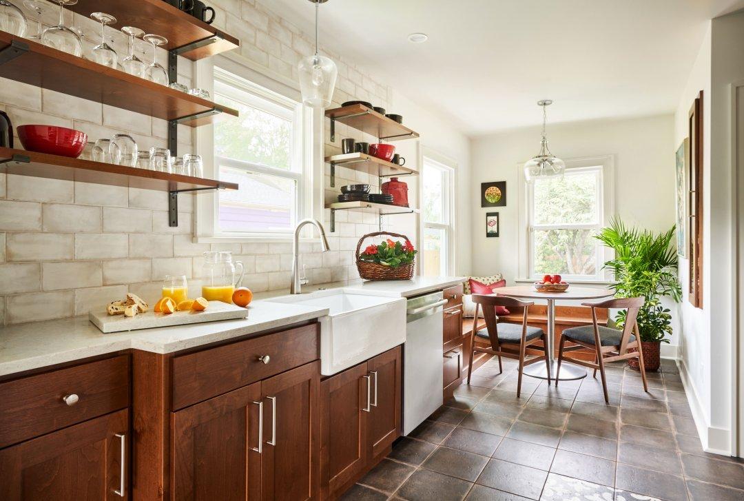 Farmhouse kitchen style