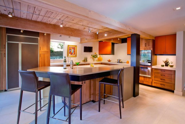 Retro kitchen island installation