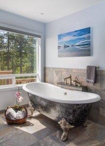 Clawfoot Tub in Bathroom Remodel