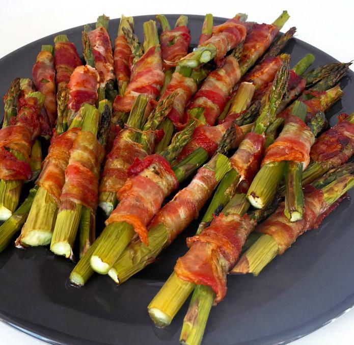Saftige ovnbagte asparges med sprød bacon » Favorit tilbehør