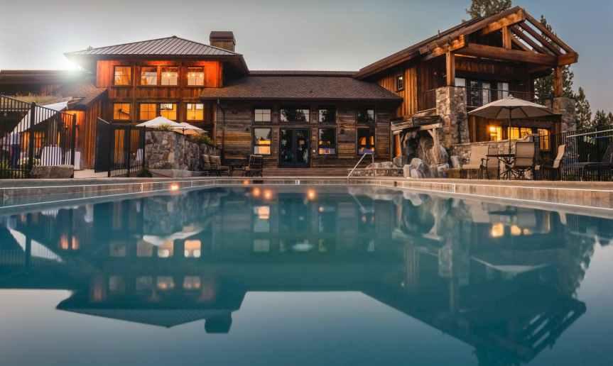 8 Exquisite Estates in Homes & Land Magazine of Malibu + Beverly Hills Worth Buying