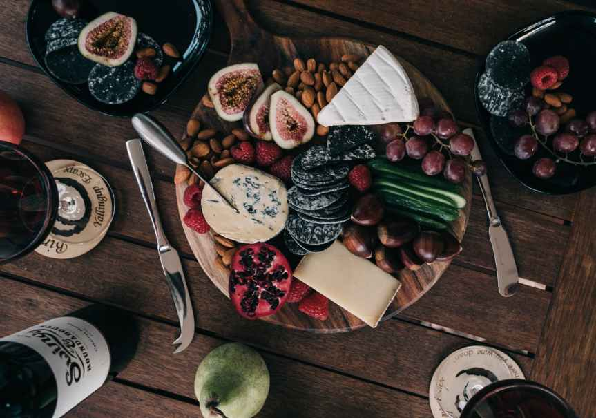9 Perfect Wine + Cheese Pairings to Share With Guests Tonight | Leverage Ambition