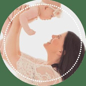 Photograph of Peti Morgan and her daughter.